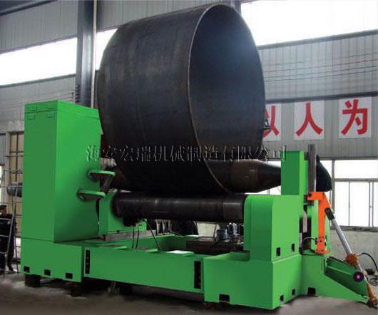水平下调式卷板机说明 水平下调式三辊卷板机,采用最先进技术结构设计